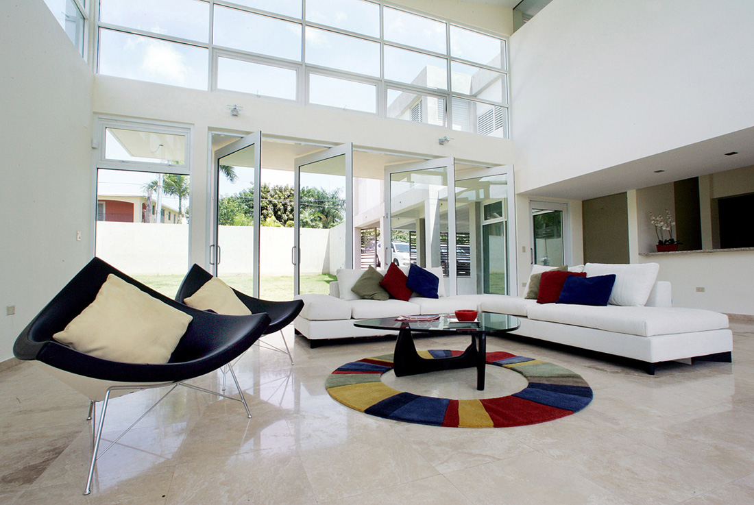 Vs houses ram rez buxeda arquitectos puerto rico Interior designer vs interior decorator