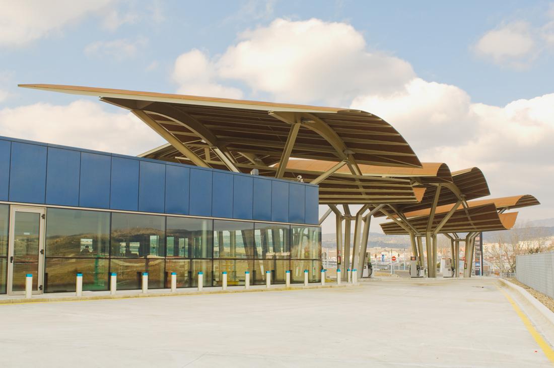 NP Estación de Servicio -   Moneo-Brock - España