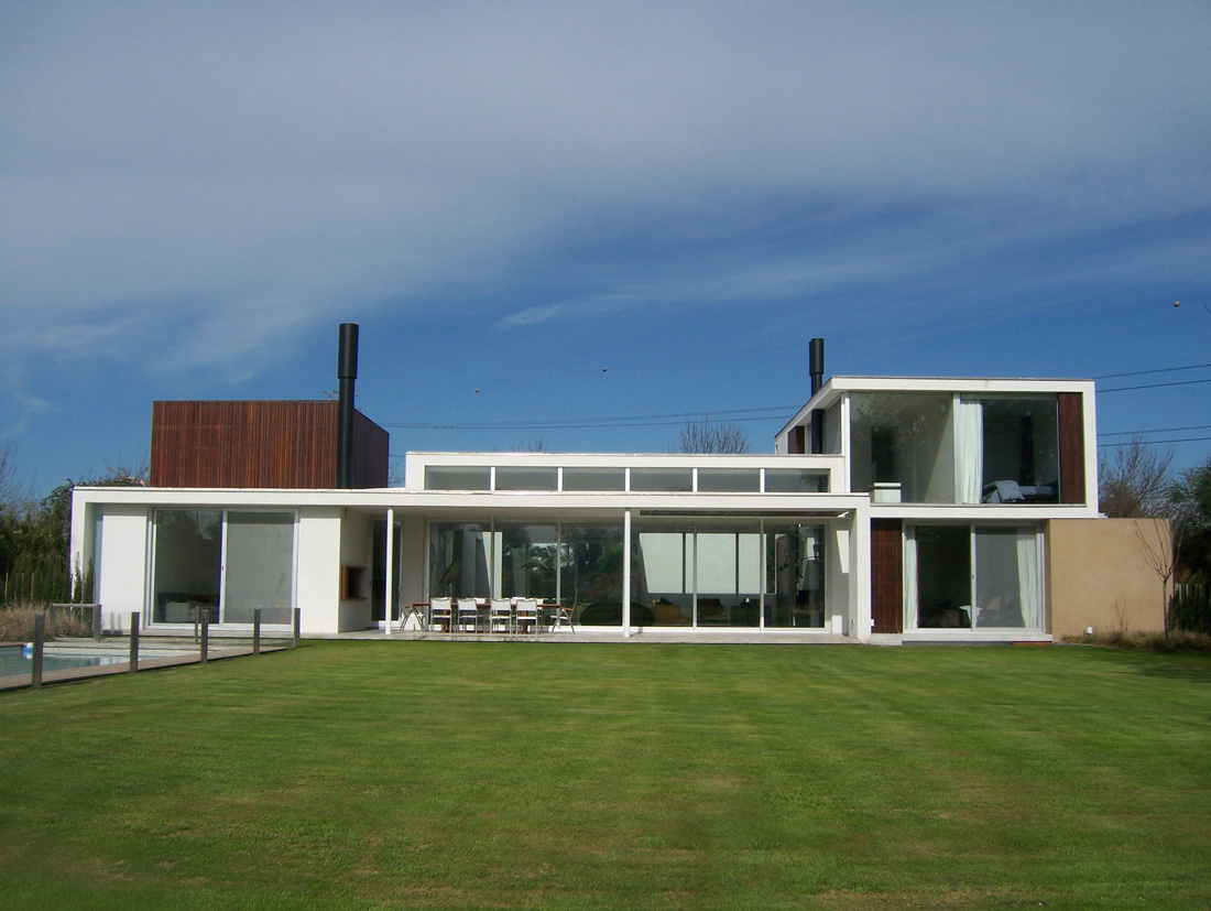 Casa en country club martindale alric galindez for Portal de arquitectos argentinos
