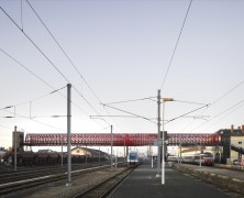 Railway Footbridge at Roche-sur-Yon  – HDA & Bernard Tschumi – Francia