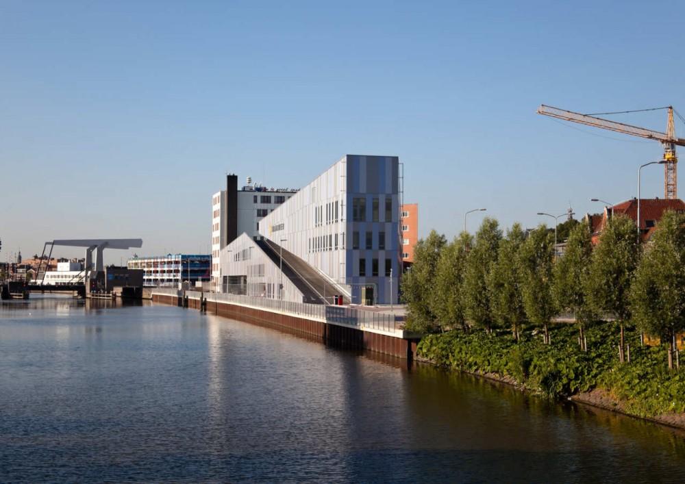 NBHW Estación de Bomberos -   LIAG Architects - Holanda