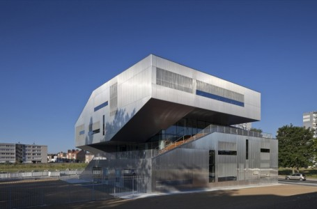 L'arbrisseau Neighborhood Centre - Colboc Franzen & Associes - France