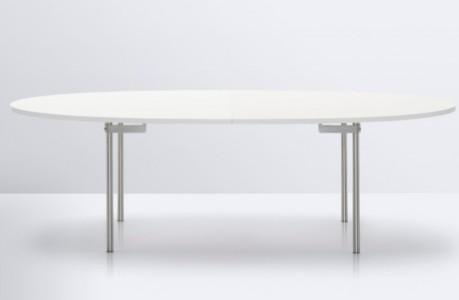 Elliptical tables by Carl Hansen & Son