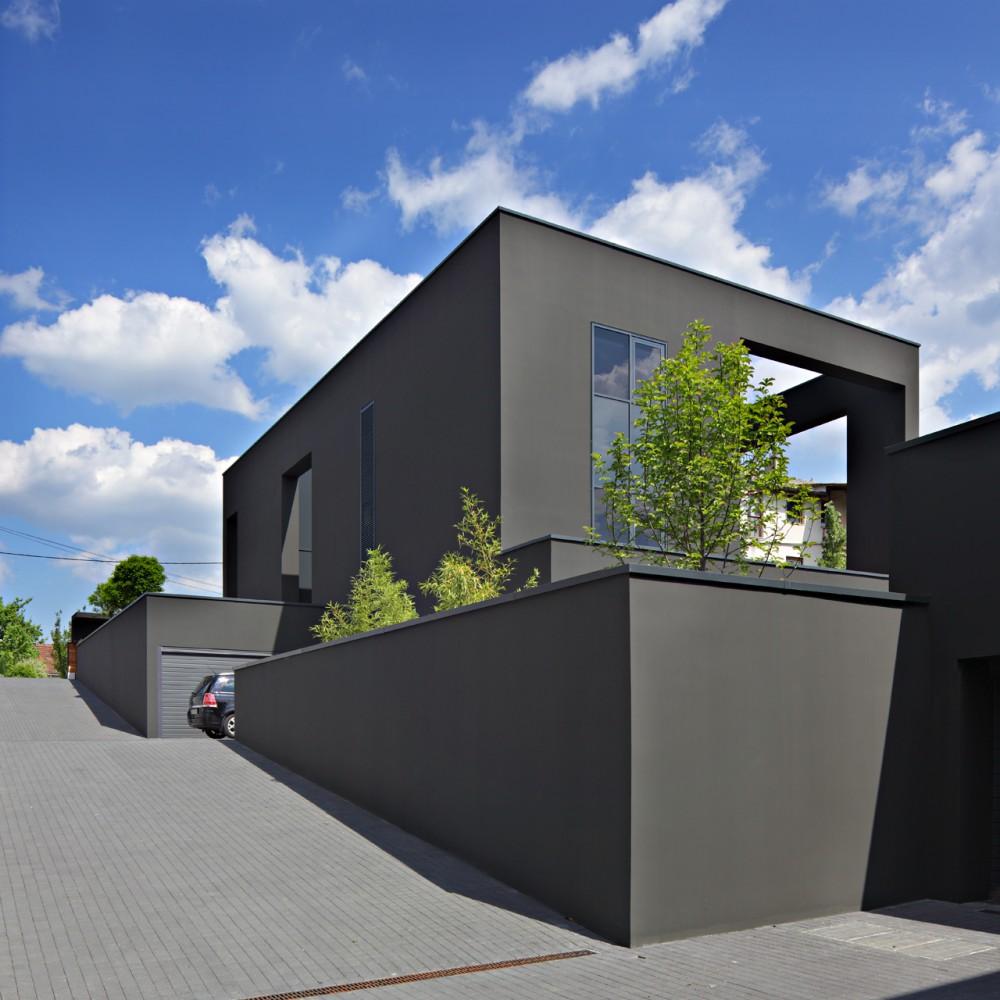 Black house dva arhitekta croatia simbiosis news for Images of black houses
