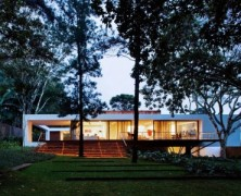 Santo Amaro House – Isay Weinfeld – Brazil