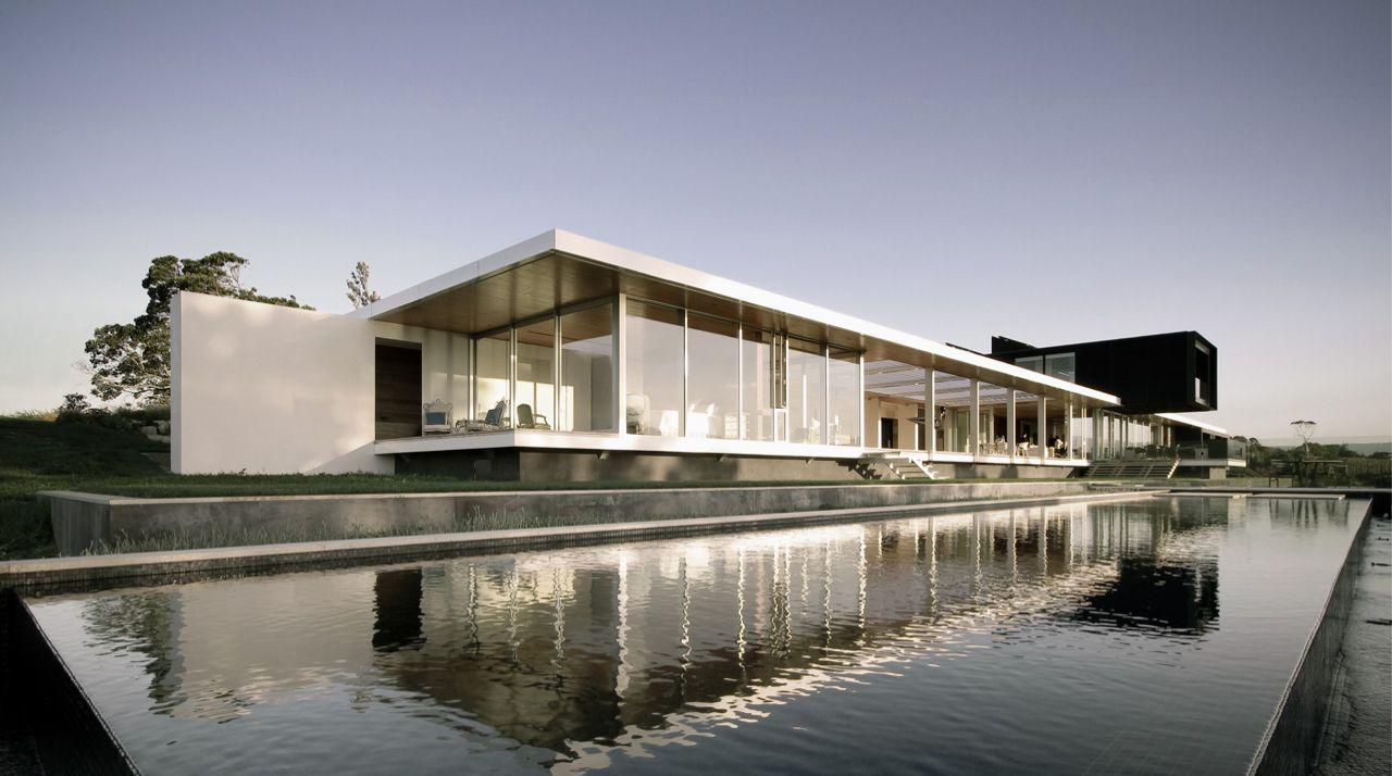 Crawshaw house warren and mahoney new zealand for Modern house design new zealand